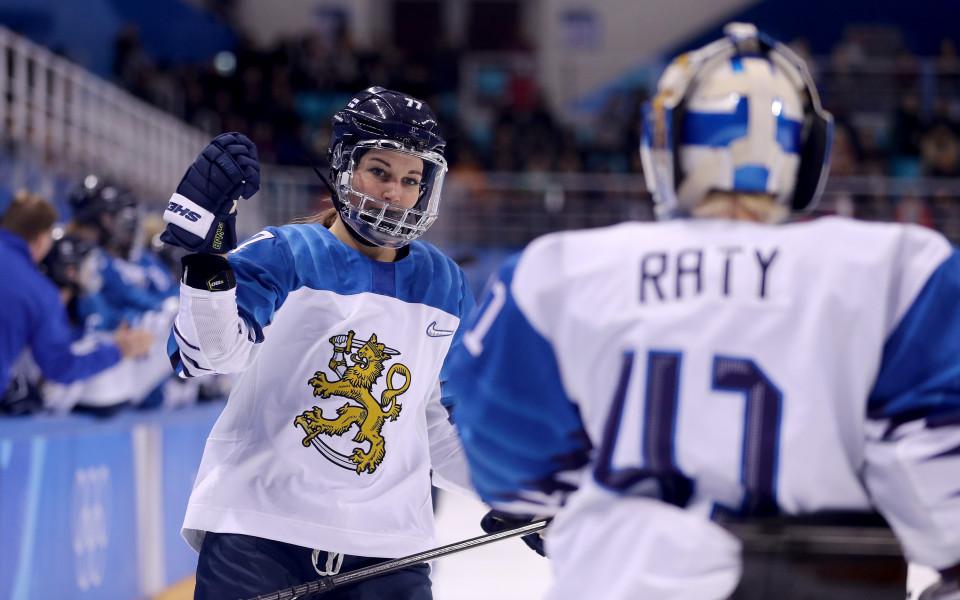 Финландия допълни хокейния топ 4 при дамите