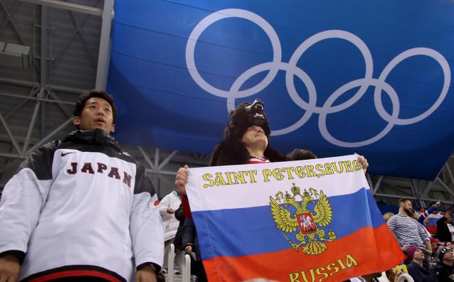 Канадският журналист Петър Ейкман се пошегува на гърба на олимпийските