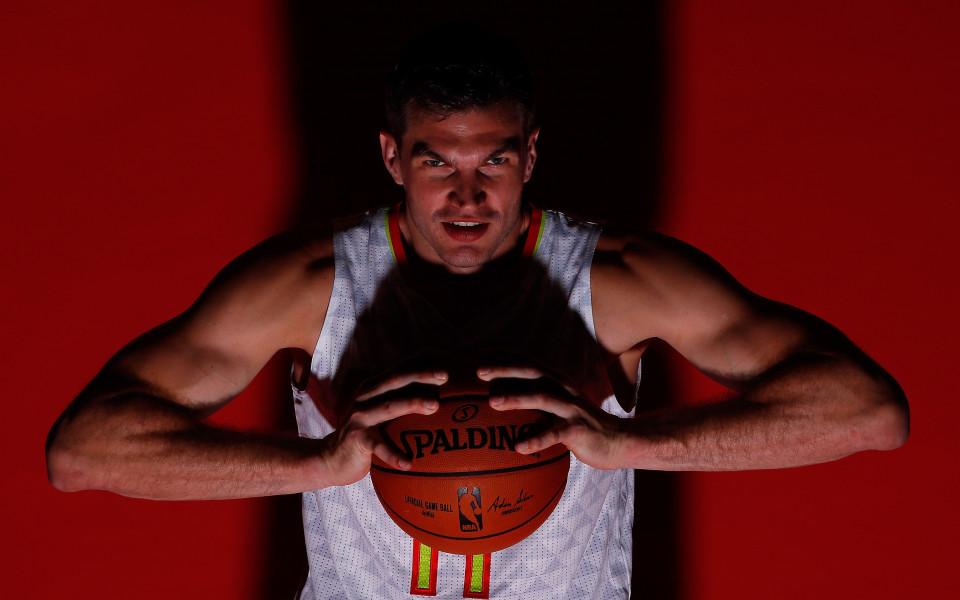 Тиаго Сплитер се видя принуден да спре с баскетбола