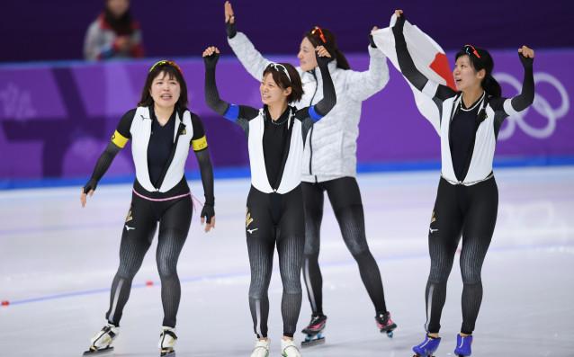 Норвегия и Япония взеха титлите в отборните преследвания по пързаляне с...