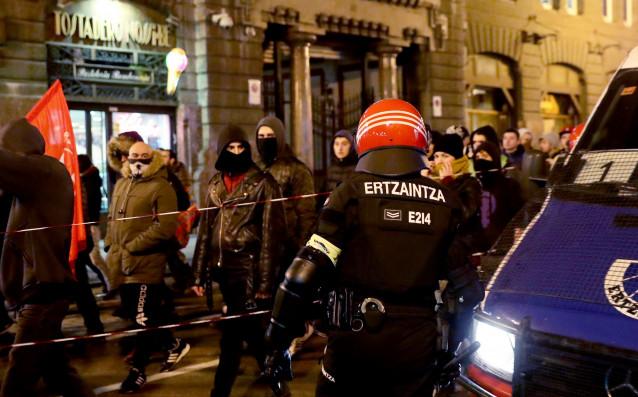 5 арестувани и 4 ранени след сблъсъци преди Атлетик – Спартак Москва