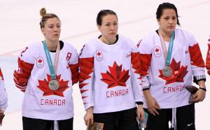 Канадката, махнала сребърния медал, се извини