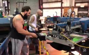 Русев провери как върви принтирането на тениските му