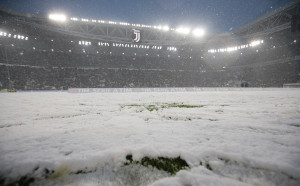 Снеговалеж отложи Юве - Аталанта