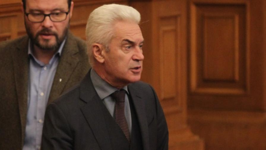 Сидеров: Оторизирал ли е Борисов Симеонов да тормози бизнеса
