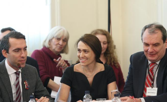 Ще влезе ли Върбакова в ЧЕЗ - извънредно заседание на УС