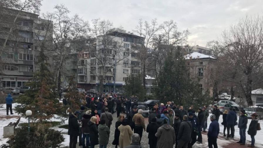 Съпругата на д-р Димитров: За трети път крадци в дома ни