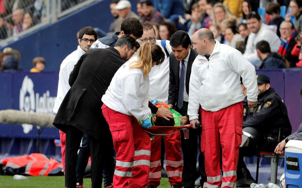 Диего Лопес с черепна травма, загубил съзнание