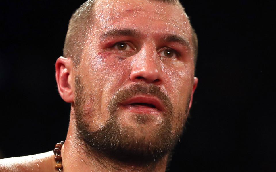 Световният шампион в лека-тежка категория Сергей Ковальов защити титлата си
