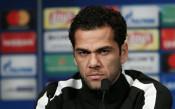 Дани Алвеш: Ако от Барселона ми звъннат, се връщам още утре