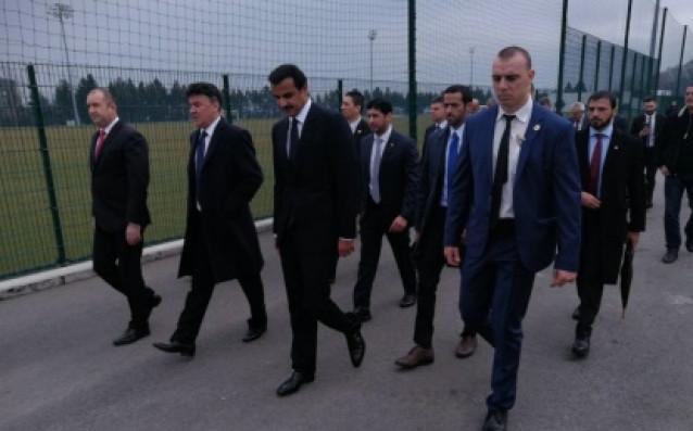 Емирът на Катар и президентът Радев бяха гости на Борислав Михайлов на базата в Бояна източник: bfunion.bg