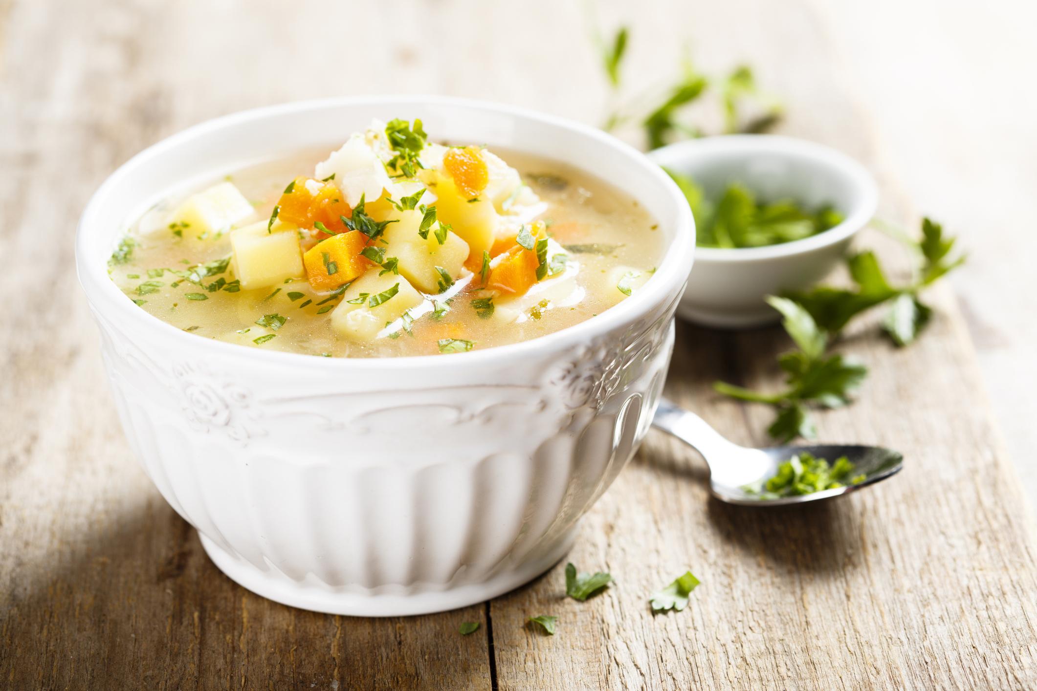 Пилешка супа с песто