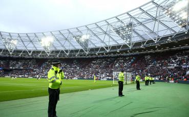 Уест Хем ще увеличи капацитета на стадиона си