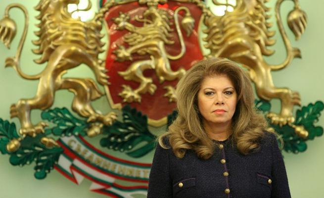 Илияна Йотова: Има позиционна война между