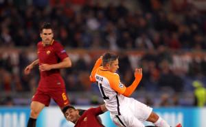 УЕФА ще санкционира Рома за поведението на децата, които гонят топките