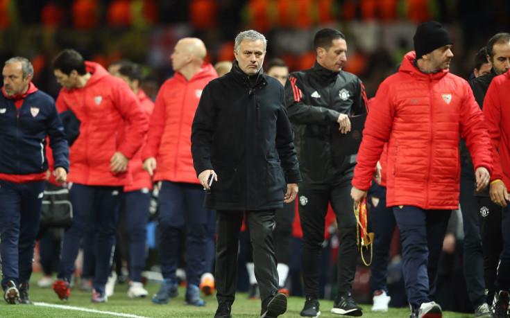 Легенди на Юнайтед разпнаха тима и тактиките на Жозе