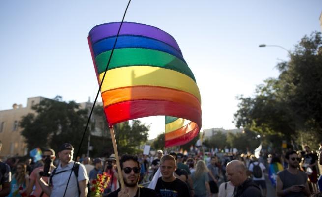Учени: хетеросексуални хора не съществуват