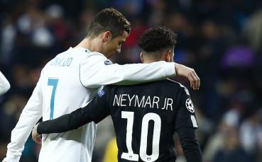 Роналдо и Неймар греят на корицата на FIFA 19'