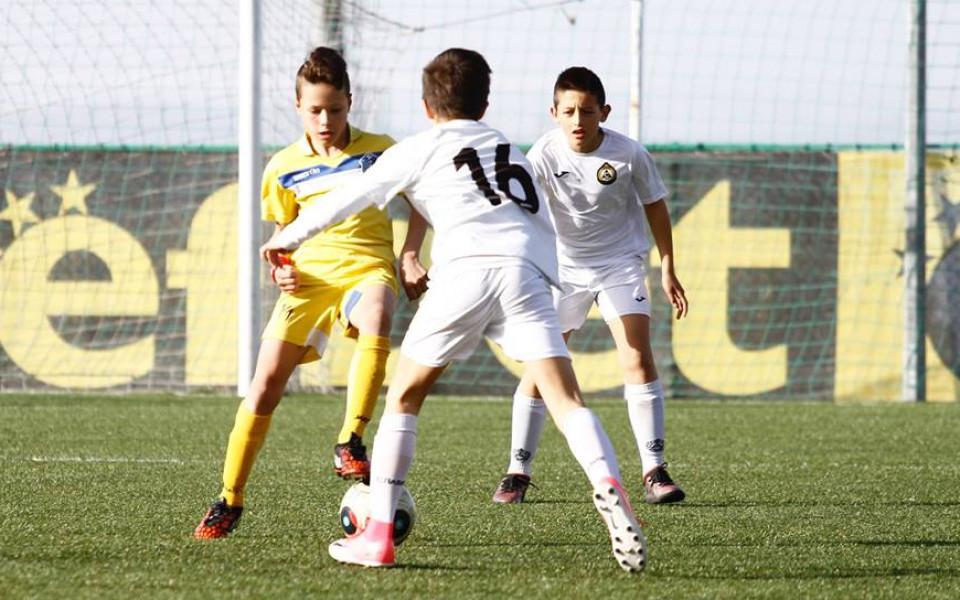 Витоша 13 победи Славия в столичното дерби при децата