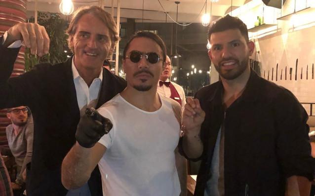 Старши треньорът наЗенит Санкт ПетербургРоберто Манчини и бившият му футболист