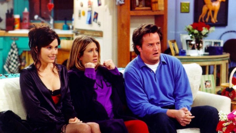 """Защо апартаментът на Моника от """"Приятели"""" е лилав"""