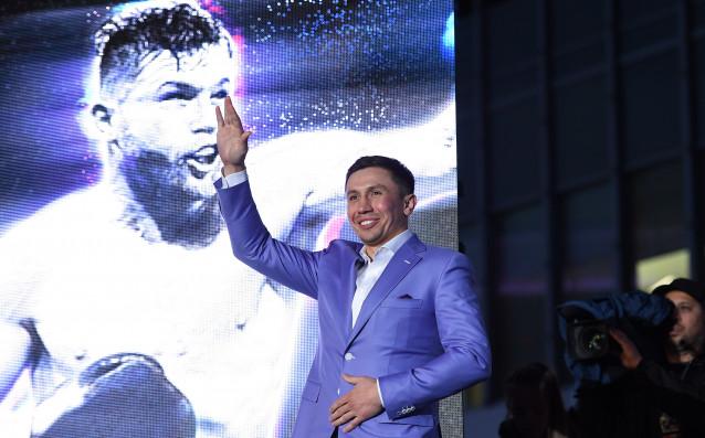 Световният шампион на WBC, WBA, IBF и IBO в средна