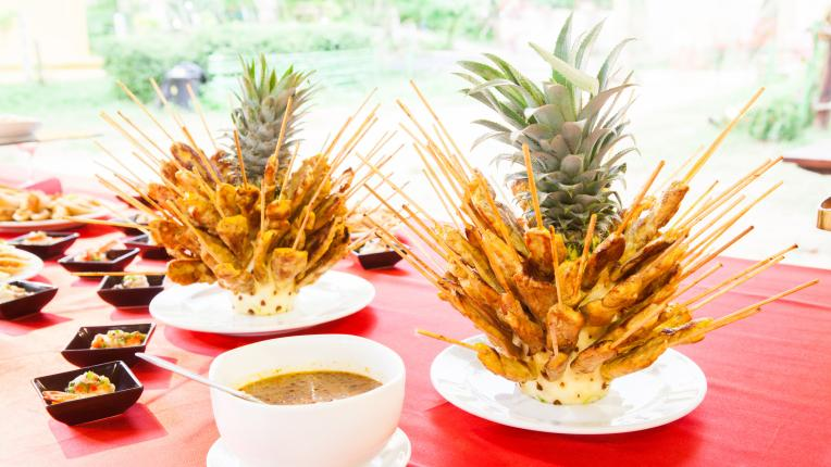 Пилешки шишчета с ананас