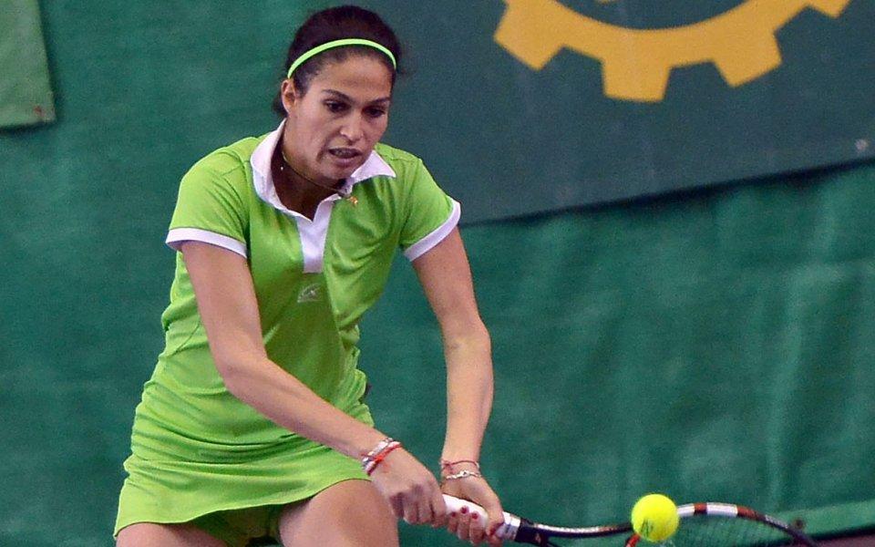 Шиникова загуби на финала на двойки в Тунис