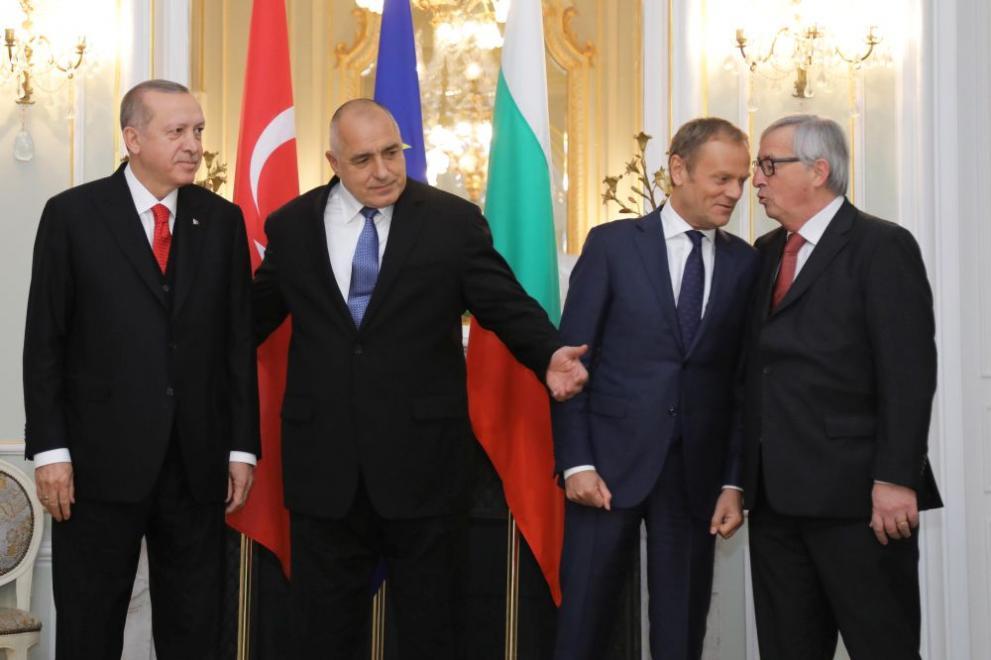 Премиерът Бойко Борисов, председателят на ЕК Жан-Крод Юнкер, председателят на Европеския съвет Доналд Туск и турският президент Реджеп Ердоган се срещнаха във Варна