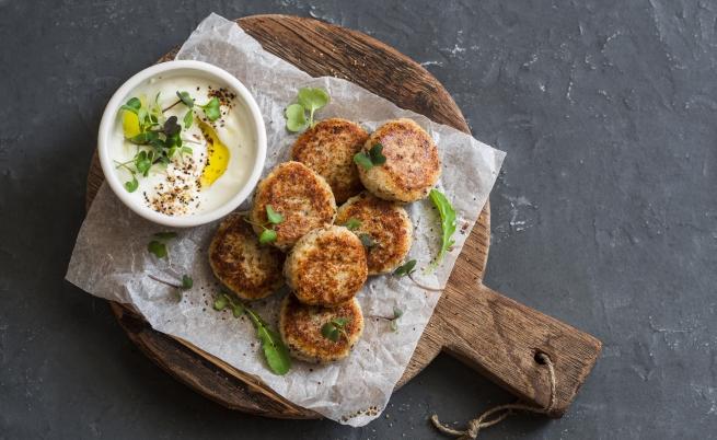 Пържени кюфтета. Рецептата дотолкова се е пропила в трапезата на българина, че се е превърнала в една от най-любимите му храни.