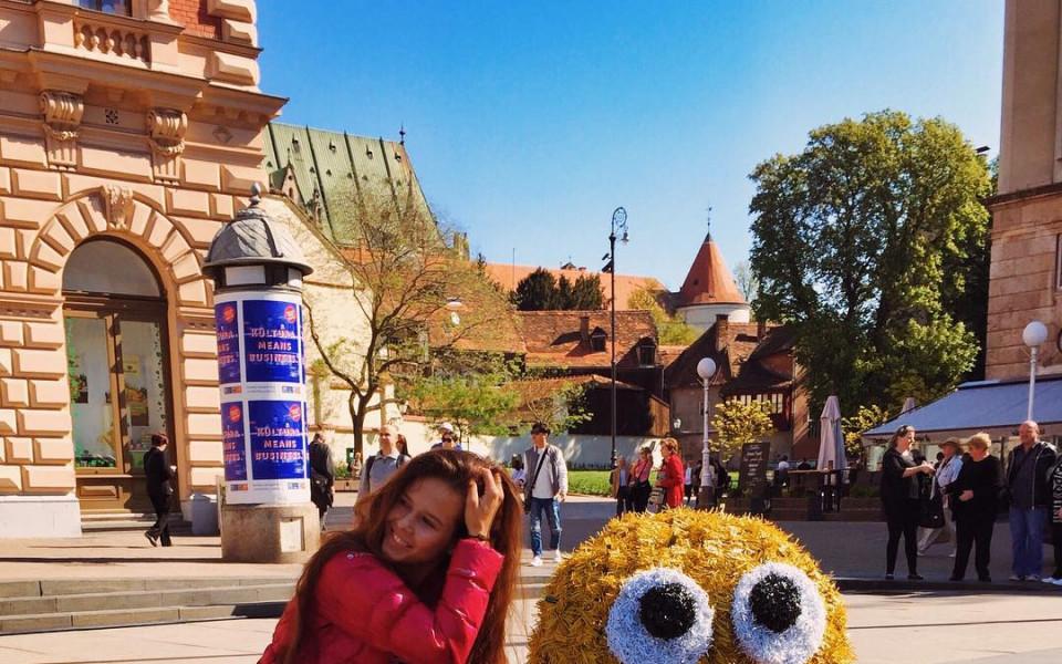 Още една руска красавица очарова феновете в
