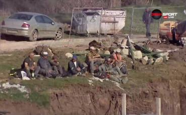 Строителната бригада гледа Лудогорец-Верея