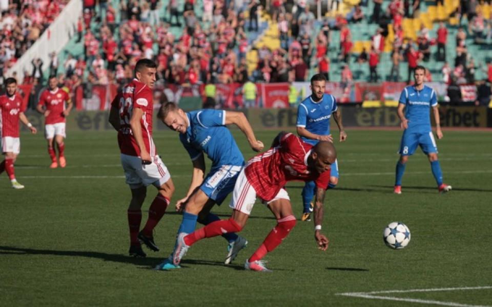 Ключови дербита в Първа лига и полуфинали за Купата – само по DIEMA XTRA