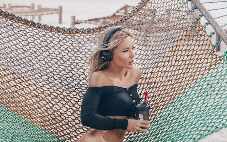 Колко секси е шампионката по фитнес-бикини?