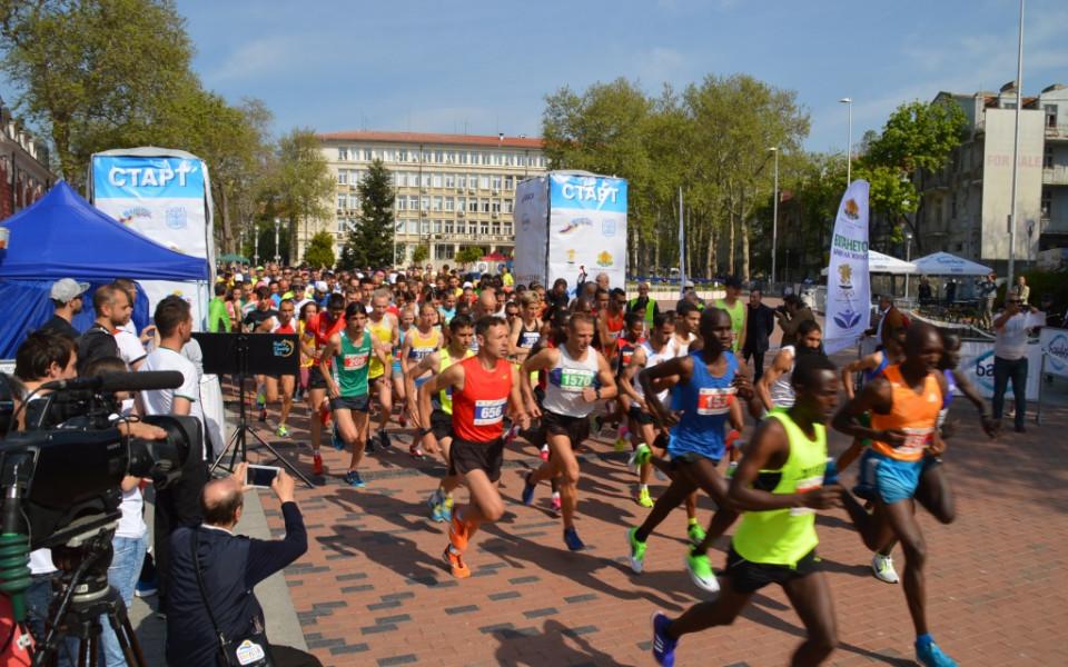 Трасето на маратона във Варна минава покрай самия бряг
