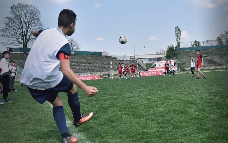 """170 ученици се включиха в регионалния турнир за """"Купата на Coca-Cola"""" във Враца"""