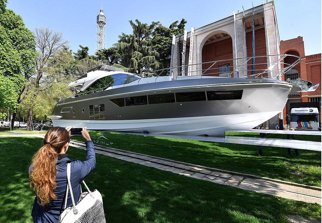 """Панаирът """"Fuori Salone"""" в Милано, Италия e считан за най-големият по рода си в света и представя най-новите тенденции в дизайна на мебели, осветление и аксесоари за дома."""