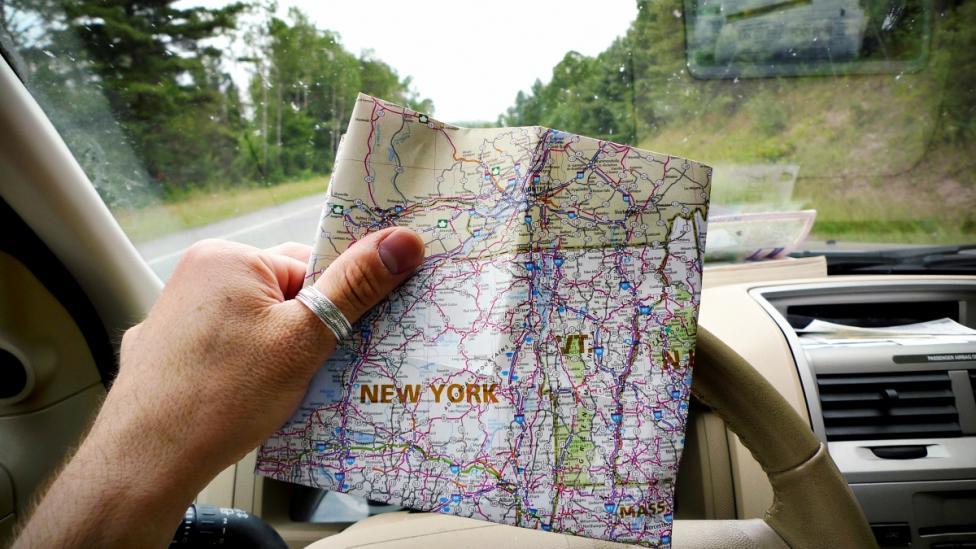 - Ако по време на пътуването промените маршрута си, пишете на близък приятел иил роднина, с когото сте в контакт.