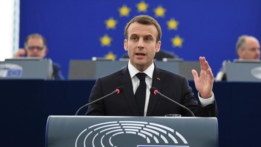 Макрон: Ударихме Сирия за честта на международната общност