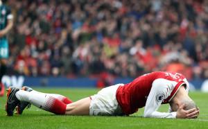 Отношението на Арсенал тласка Уилшър към конкурент?