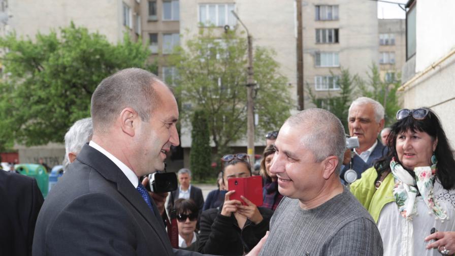 Радев към Цветанов: Трудно осмисля, трябва образование