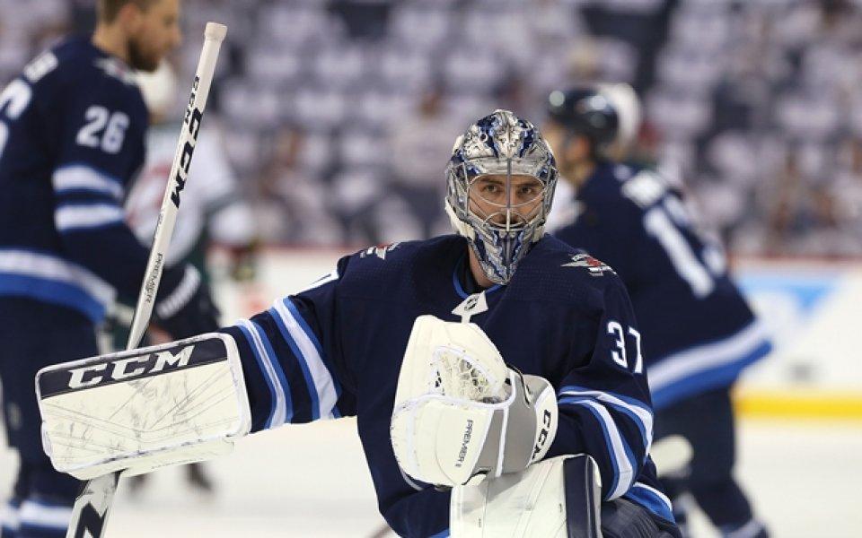 Уинипег първи стигна четвъртфиналите в НХЛ