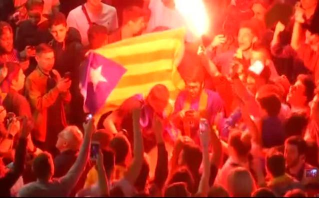 Феновете на Барселона отпразнуваха подобаващо триумфа с Купата на краля.