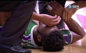 Баскетболист на Уникаха припадна по време на мач