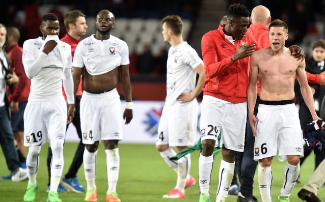 В отложен мач от 33-ия кръг на френската Лига 1