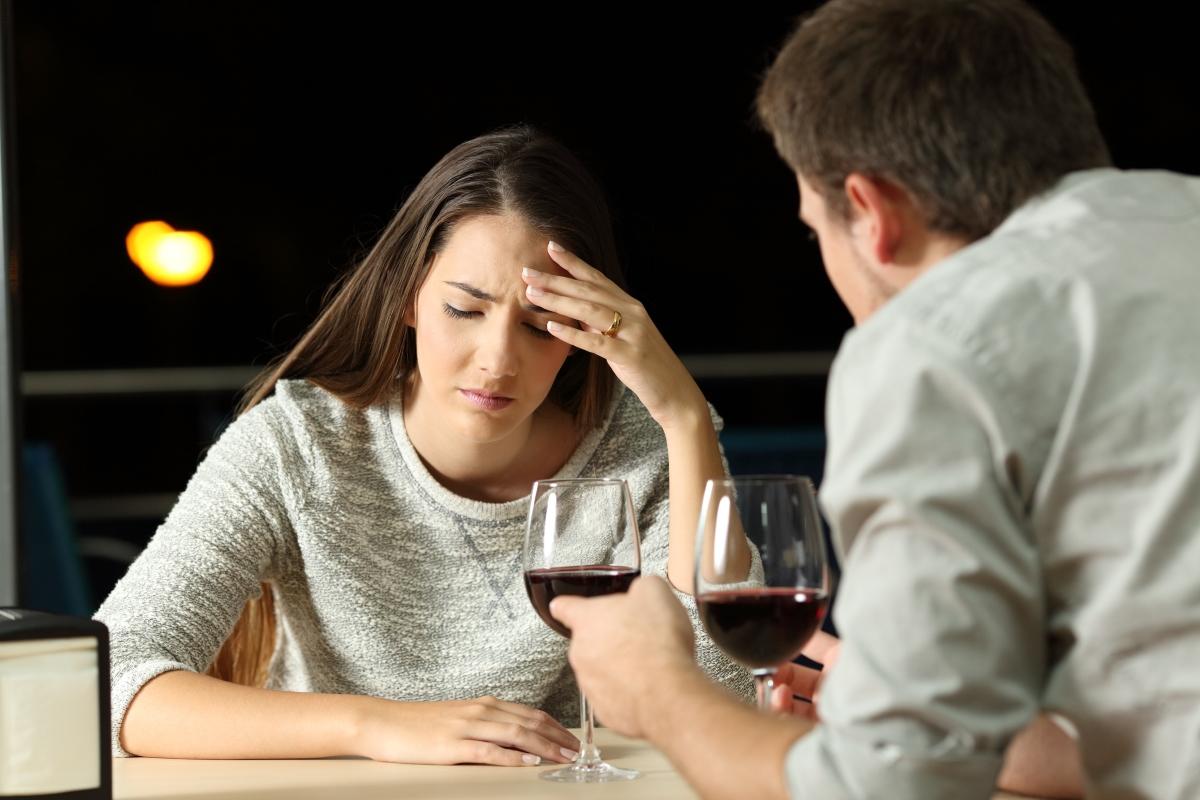 Разочарованата. Отначало всичко изглежда наред, докато обаче не се стигне до темата мъже. След малко ще разберете как днешните мъже не стават и не са като едно време (въпреки че тя е на 23), как вече не може да има доверие на никого и не може да разчита на мъжко рамо. Ако постоите още малко при нея, за съжаление рискувате да го отнесете.