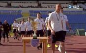 Юношите на Септември позираха с трофей преди Дунав