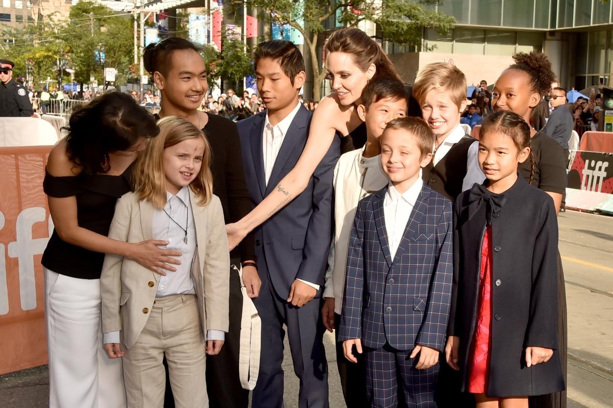 И отново Анджелина Джоли. Защото просто не можем да се сдържим.