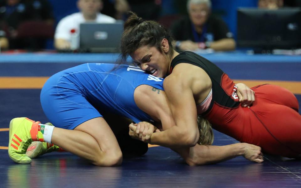 Мими Христова носи първи медал за България на Европейското по борба