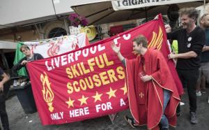 Фенове на Ливърпул са били атакувани в Киев